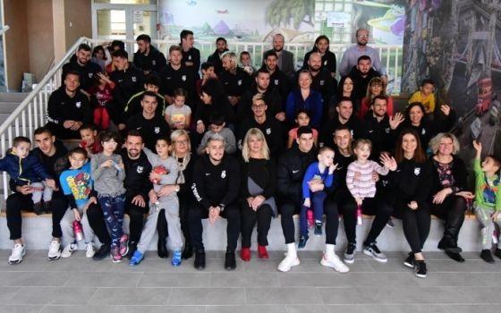 FK Sarajevo u posjeti KJU Domu za djecu bez roditeljskog staranja