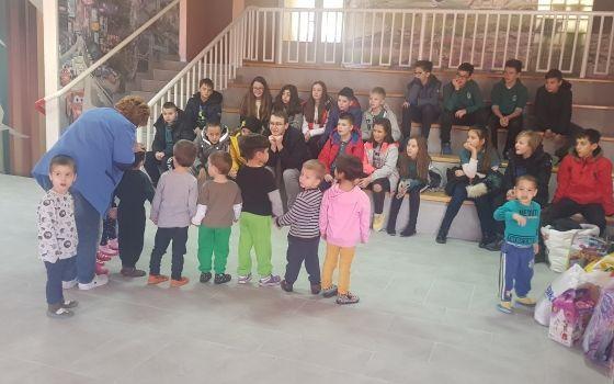 Posjeta i podjela novogodišnjih paketića učenika Richmond Park School