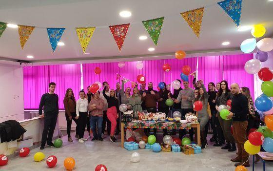 Forum mladih NBL organizovao je proslavu rođendana djeci Doma