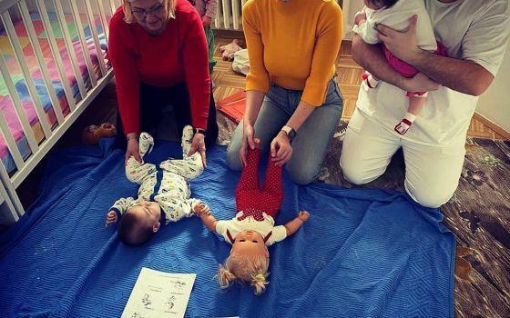 Projekat edukacija odgajatelja i medicinskog osoblja o masaži beba