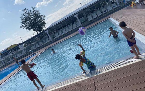 Ljetovanje djece u Ajdinovićima i Zaostrogu